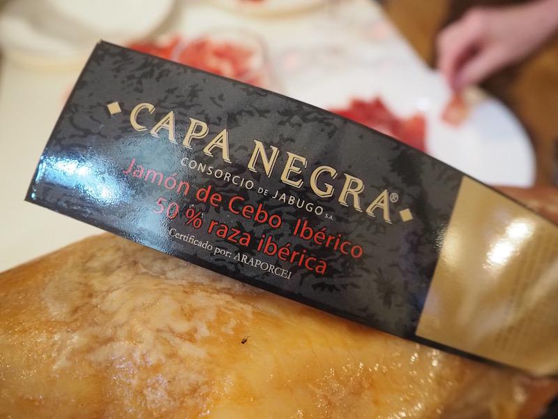 Iberian ham slicers (c) Elena Paschinger